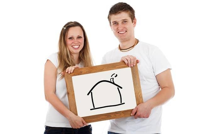 זוג שעובר דירה