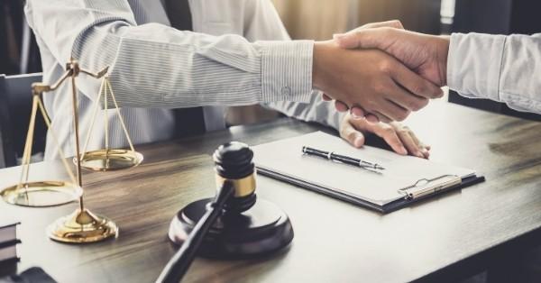 שיפור המיתוג והמוניטין של המשרד