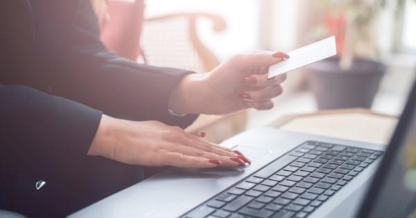 למה לשלם על תמונות?